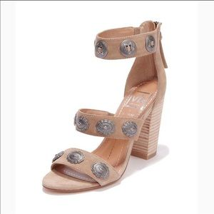 Dolce vita by Vannessa Mooney tan heels